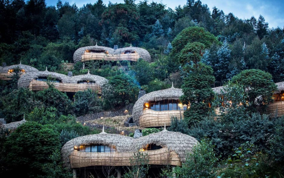 This is one of the disturbing questions among the travelers wishing or intending to travel to Rwanda for vacation or as the destination. The simple reply to this question is that Rwanda can be expensive or not depending on your interests and your budget
